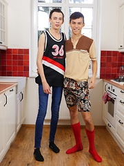 Gorgeous and horny twinks Maxxie Rivers and Dennis O'Bryan flip fuck.